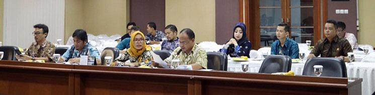 rapat komisi
